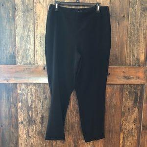 NYDJ, 8, Classic Black Pull On Cropped Pants